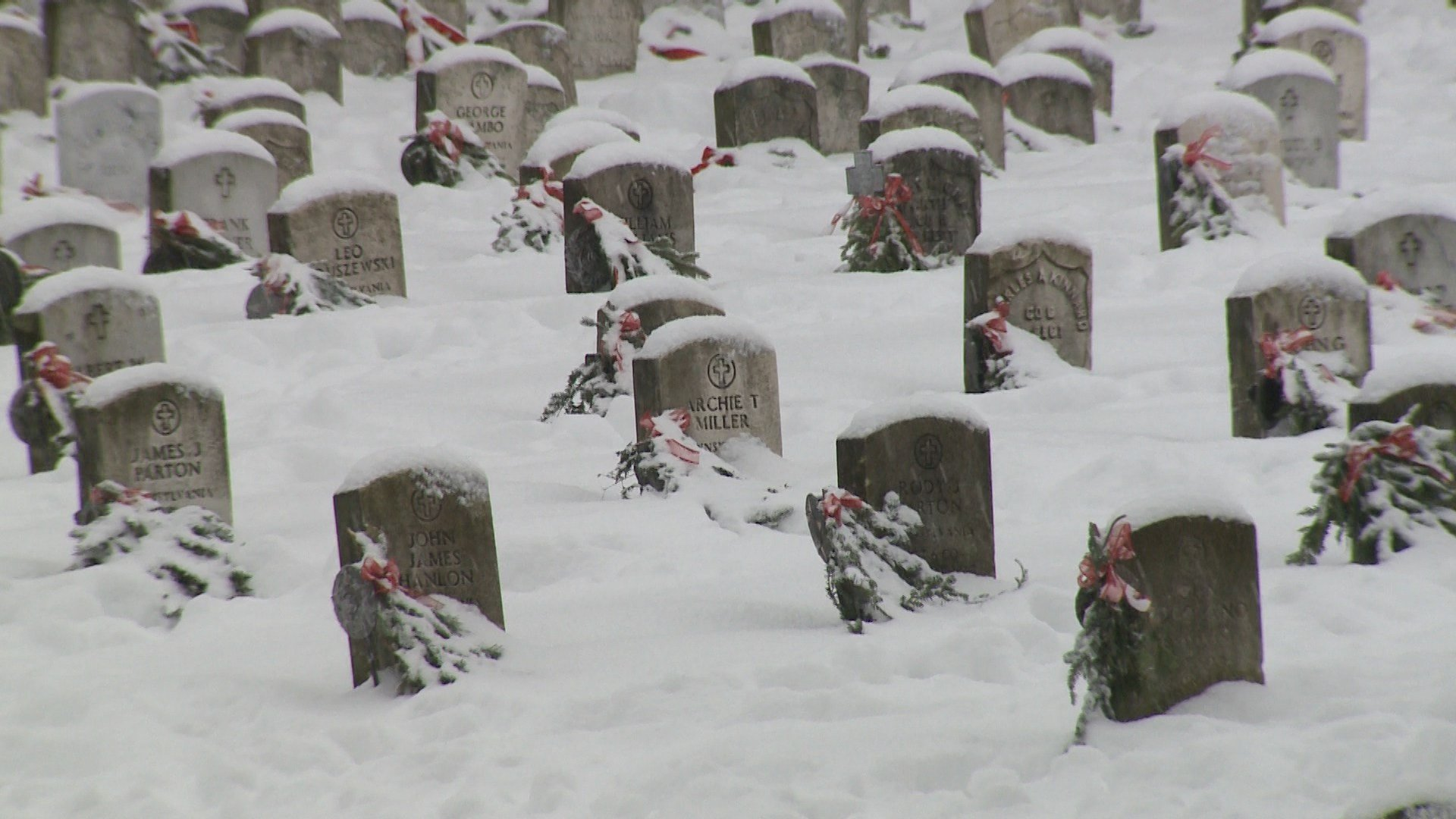 Swag wreaths placed at Soldiers' & Sailors' Home cemetery