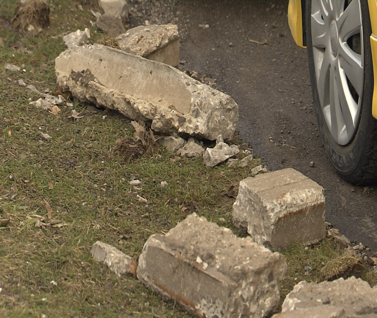 City to repair curbs damaged by plows