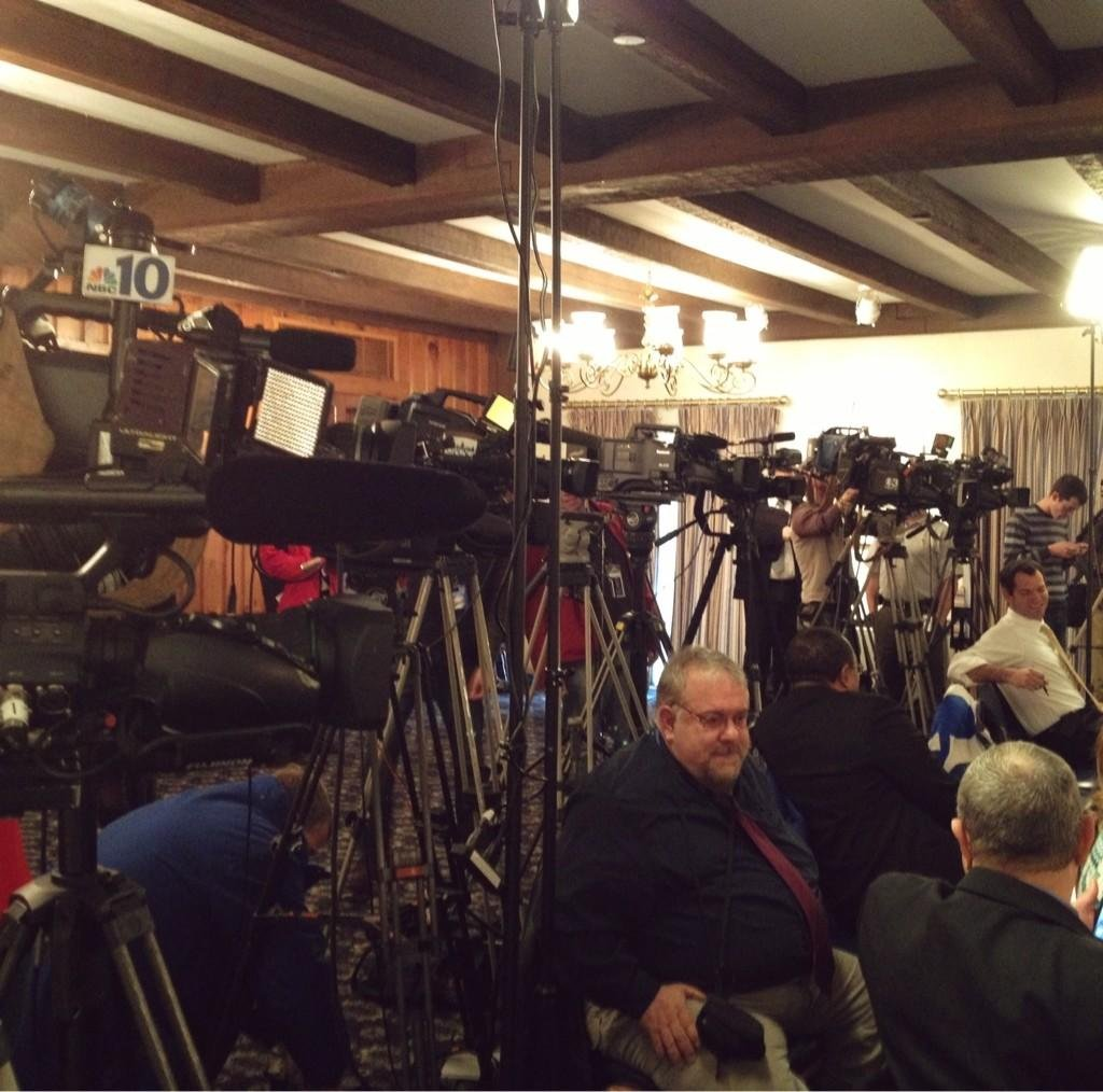 pcntv - Cameras line up for statement from Governor Corbett