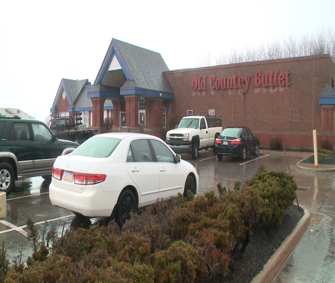 Nov 27,  · Golden Corral, Erie: See unbiased reviews of Golden Corral, rated of 5 on TripAdvisor and ranked # of restaurants in Erie. The buffet is great. We stop here in Erie when we are on our way south. The staff is very friendly and helpful. The buffet bar has so much to choose from. The location was in Erie PA I am /5().