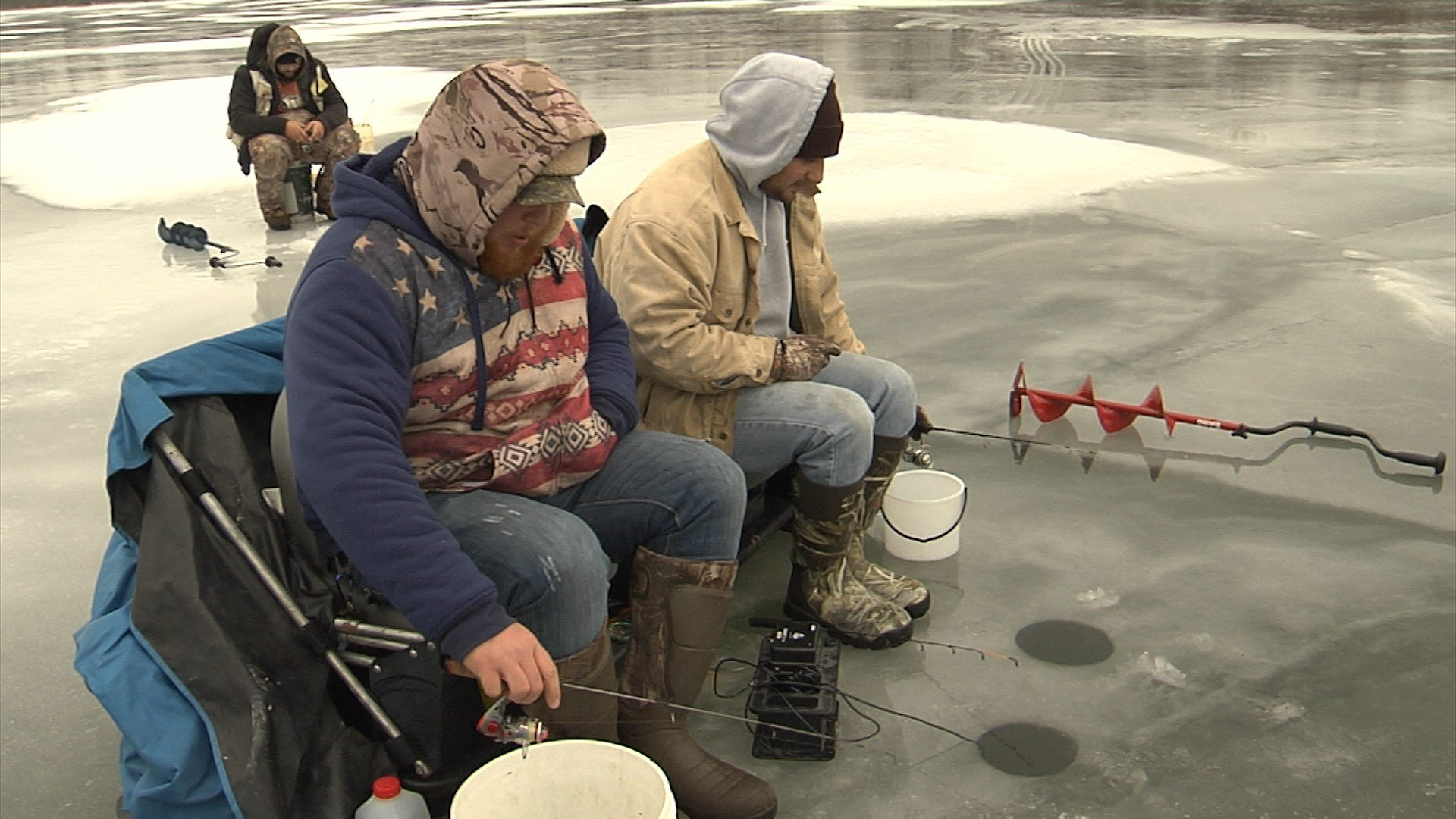 Ice fishing underway on misery bay erie news now wicu for Pa ice fishing