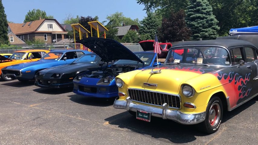 Classic Cars Turn Out For Kenneth Snider Memorial Car Cruise Erie - Classic car cruise