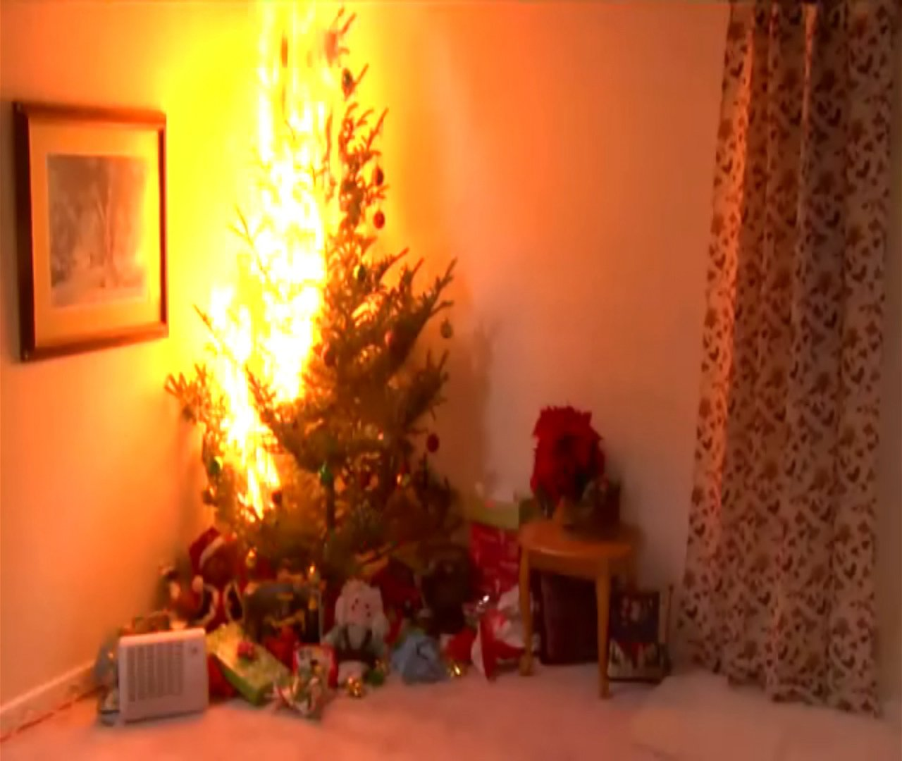 Christmas Tree And Fire Home Decorating Interior Design Bath  - Christmas Trees On Fire