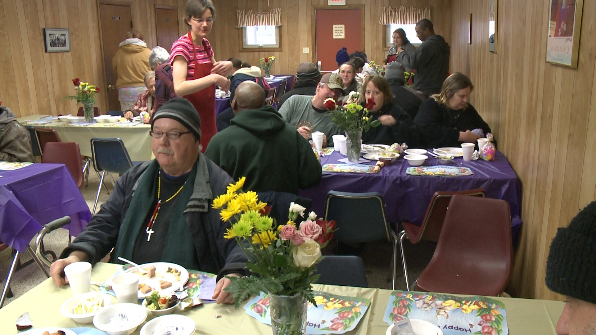 Soup Kitchen Meal Soup Kitchen Serves Free Easter Meal Erie News Now News